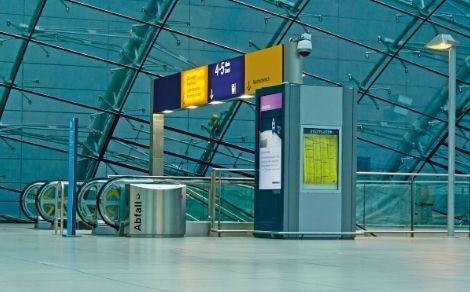 Functional, sleek and smooth – litter bins for stations